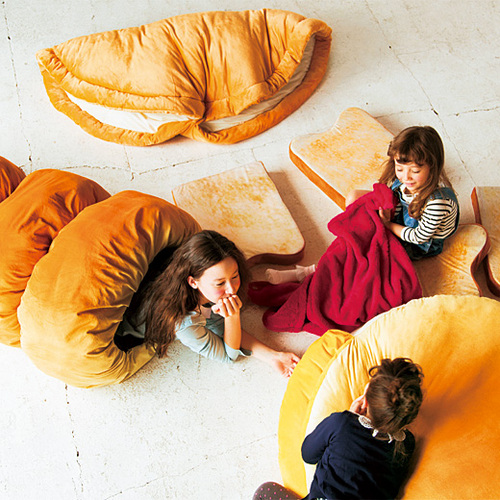 Cuddle Up With Comfort Food In The Bread Bed Alltop Viral